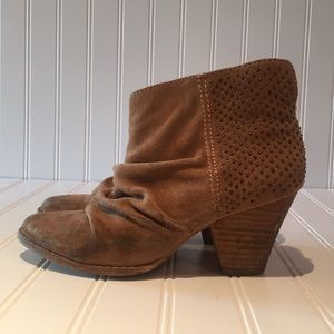 Splendid Tan Suede Studded Boots sz 6